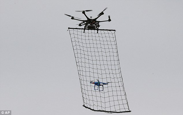 Drone countermesure with net.jpg