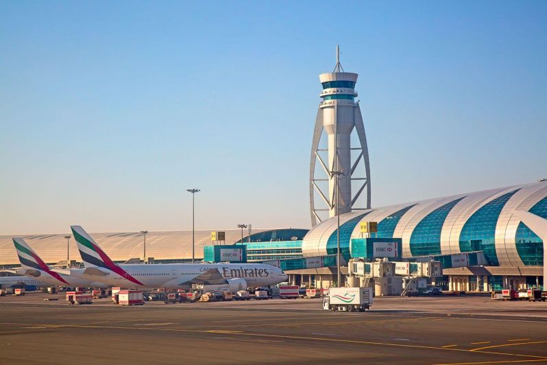 Drone grounds Dubai-International-airport