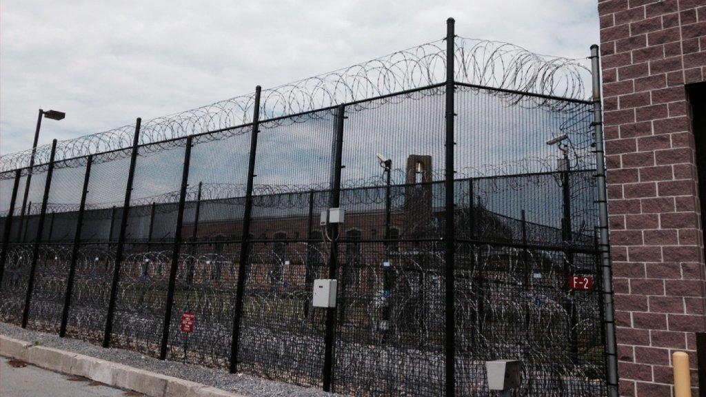 pennsylvania-prison-lockdown-wolf-20180905